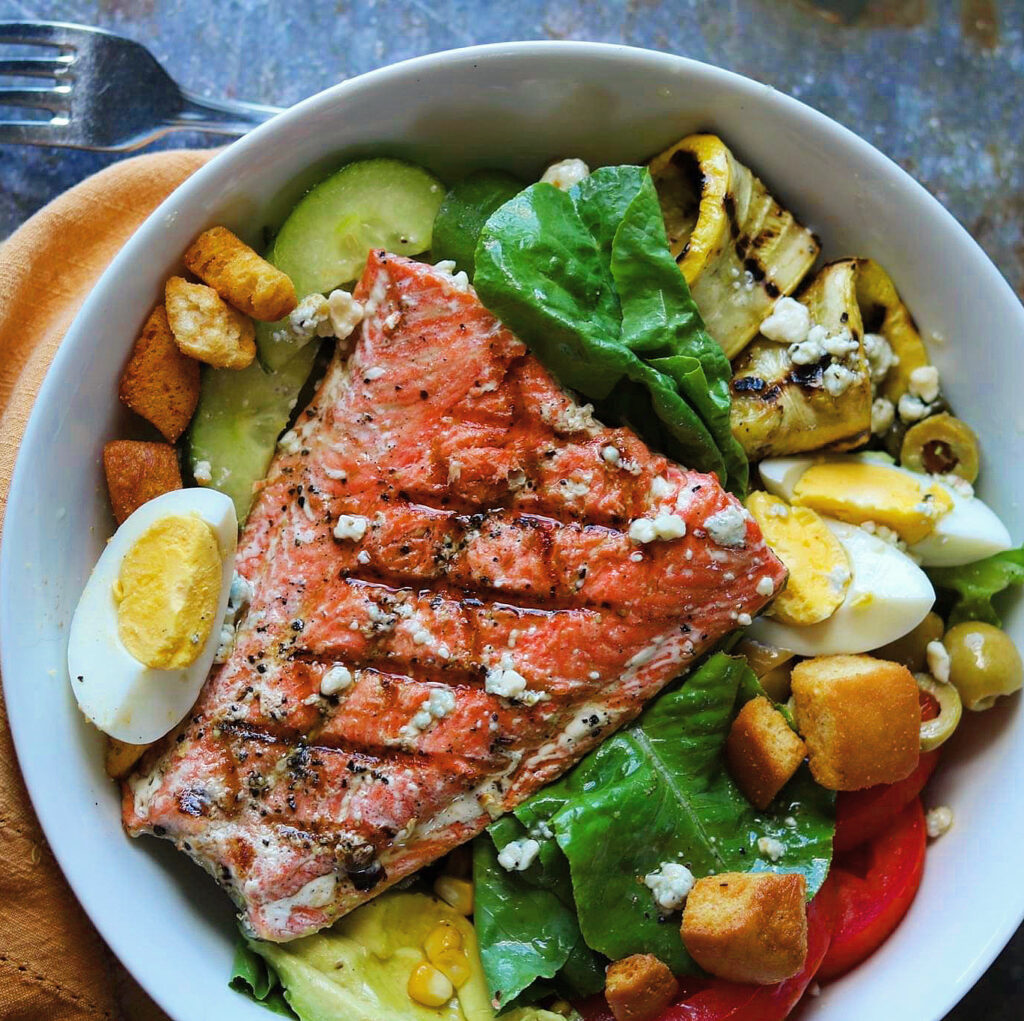 Perfect Grilled Salmon Salad With Summer Vegetables The 2 Spoons